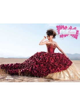 Discount 2012 Exclusive Ball gown Sweetheart Chapel train Quinceanera Dresses Style AP72-001