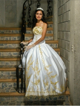 Discount Fashionable Strapless Beading A-Line Wedding Dress
