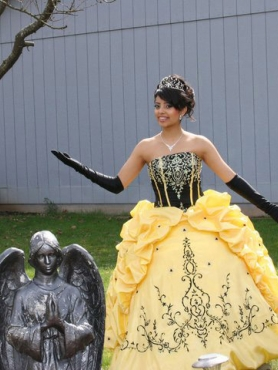 Discount Sweet Yellow Pick-ups Appliques Quinceanera Dress