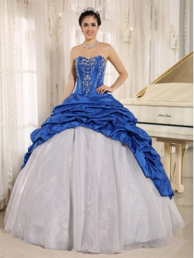 Discount Luxurious Blue and White Quinceanera Dress With Embroidery Sweetheart Pick-ups 2013