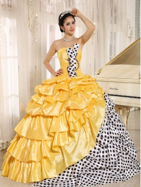Discount Popular Multi-color Pick-ups Strapless 2013 Quinceanera Dress