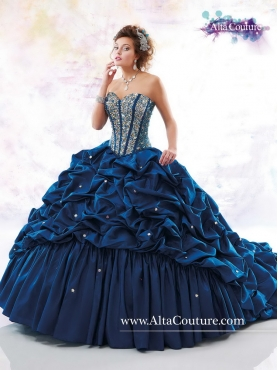 Discount 2016 Elegant Beaded Quinceanera Dresses in Navy Blue MRSY059