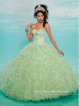 Discount 2016 Pretty Sweetheart Quinceanera Gowns with Beading and Ruffles MRSY025
